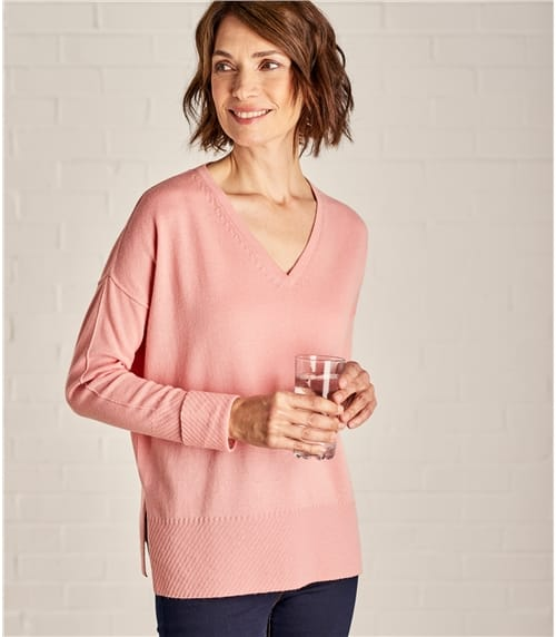 Womens Cashmere and Merino Textured Edge V Neck Jumper