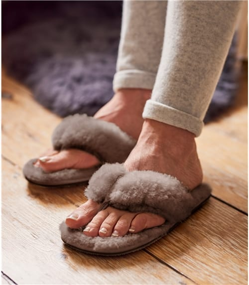 Womens Sheepskin Toe Post Slipper