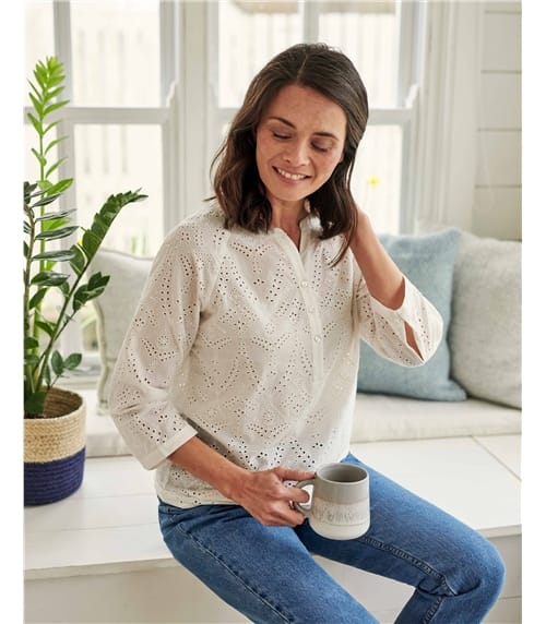 Broderie Button top