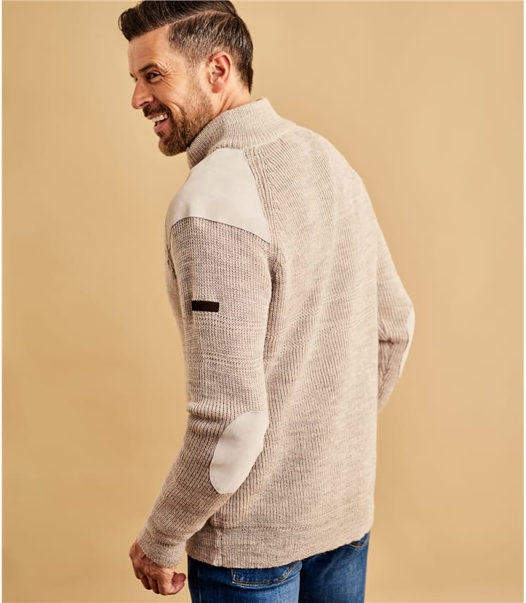 Мужской свитер с заплатками из натуральной овечьей шерсти