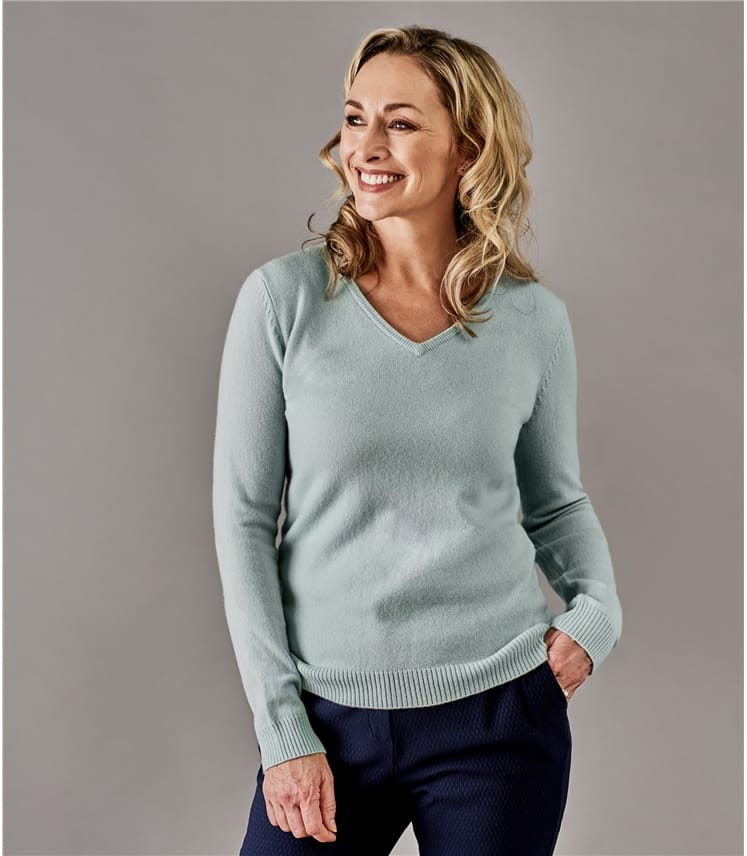 429c95f6e77e3 Dusty Mint | Womens Pure Cashmere V Neck Jumper | WoolOvers UK