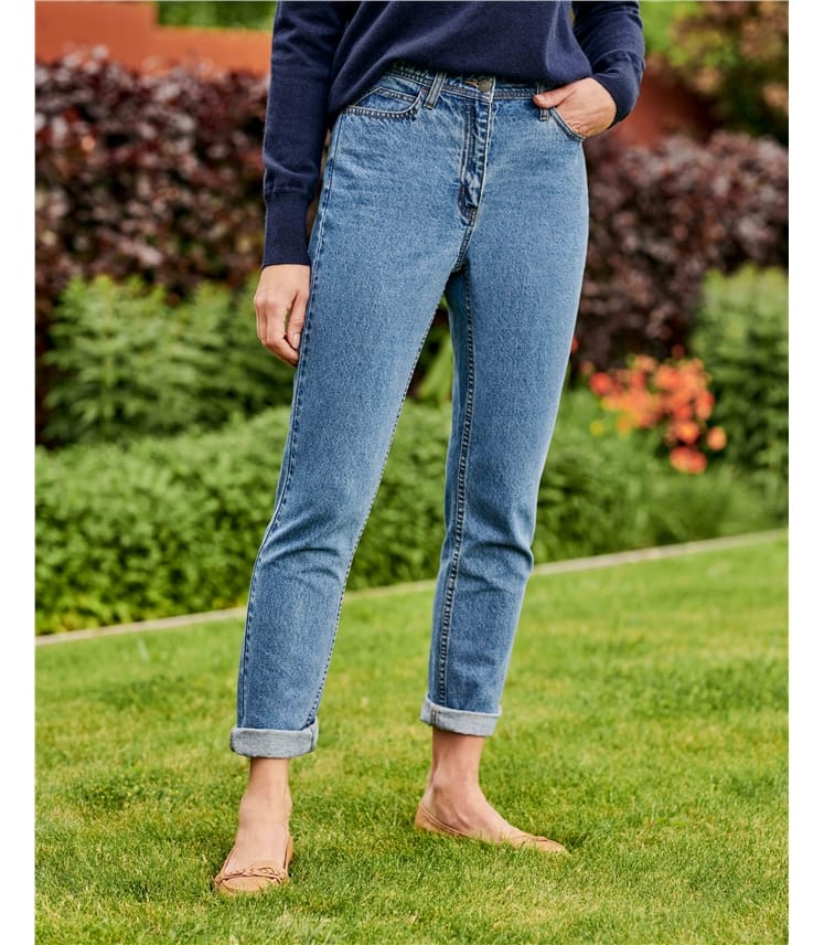 Relaxed Tapered Leg Jeans