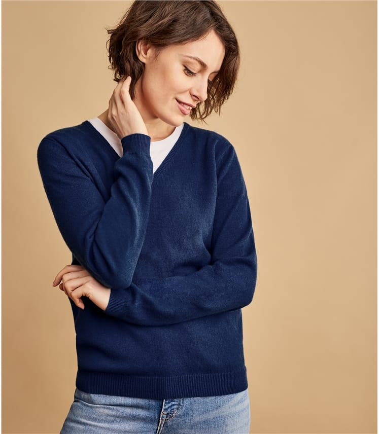 2be401285ff21f Navy | Womens Cashmere & Merino V Neck Knitted Sweater | WoolOvers UK
