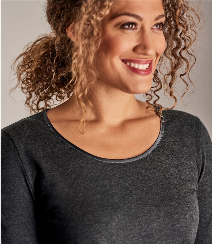 Womens Long Sleeve Scoop Neck Top