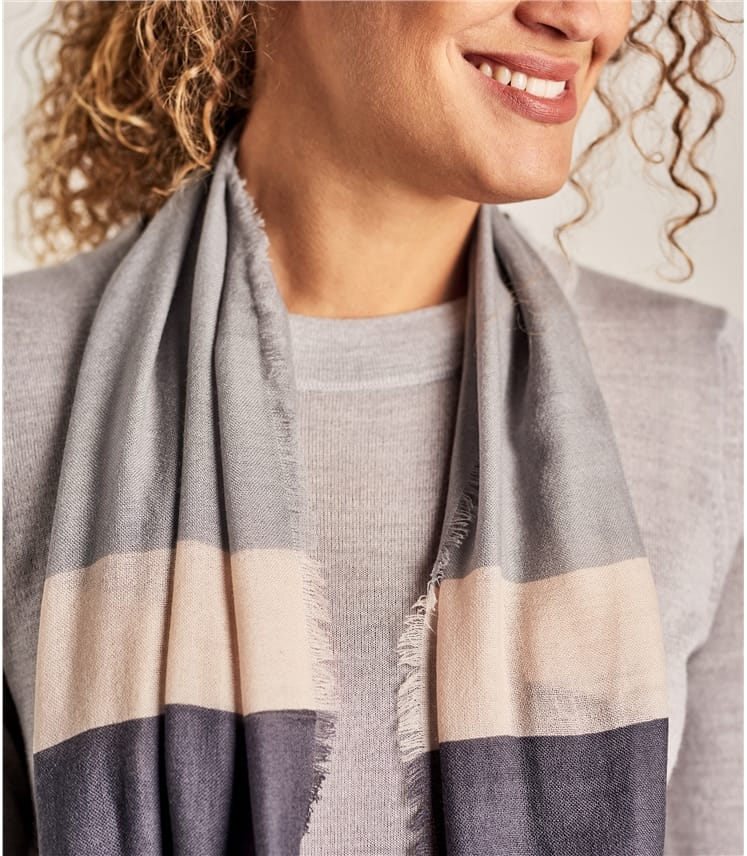Womens Woven Color Block Scarf