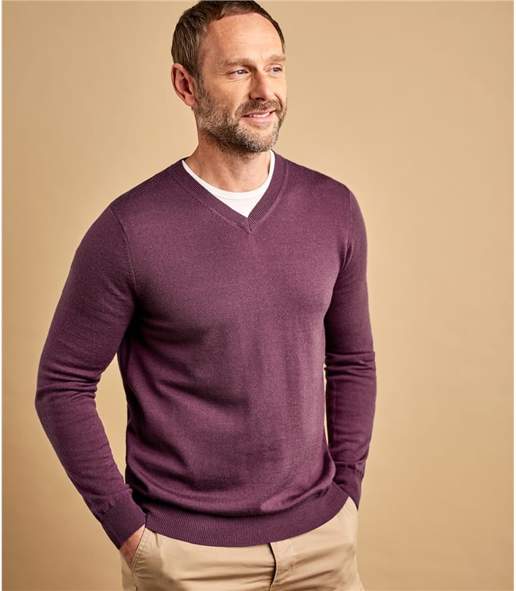 Mens Luxurious Merino V Neck Jumper