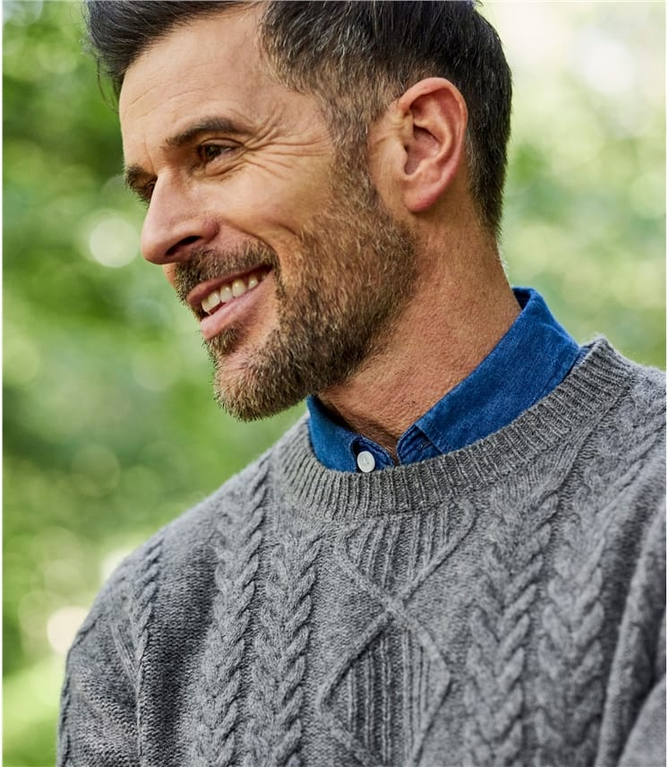Mens Lambswool Cable Crew Neck