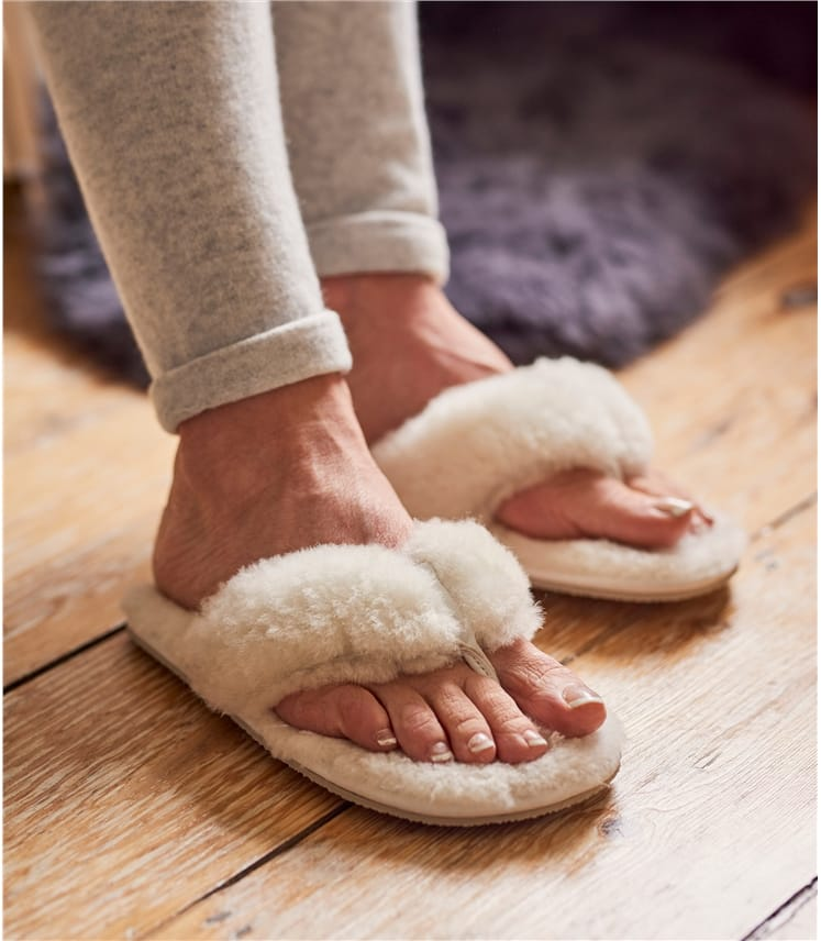 Hausschuhe aus Schafleder mit Zehenband für Damen