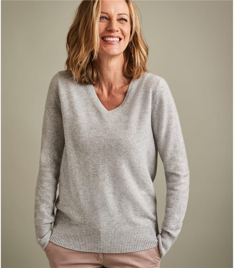 Womens Luxurious Pure Cashmere V Neck Jumper
