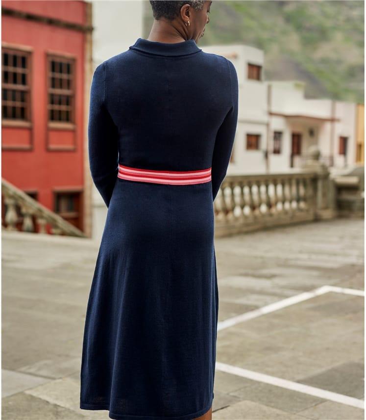 Robe encolure 'Jackie Kennedy' à taille rayée - Femme - Pur Mérinos