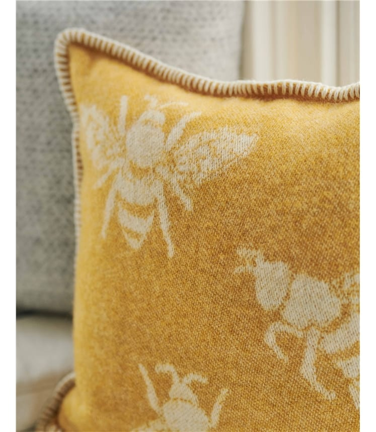 Bumble Bee Cushion Cover