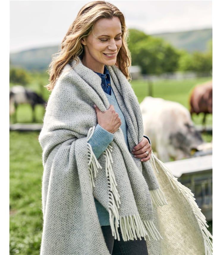 Decke mit Rautenmuster aus reiner Wolle