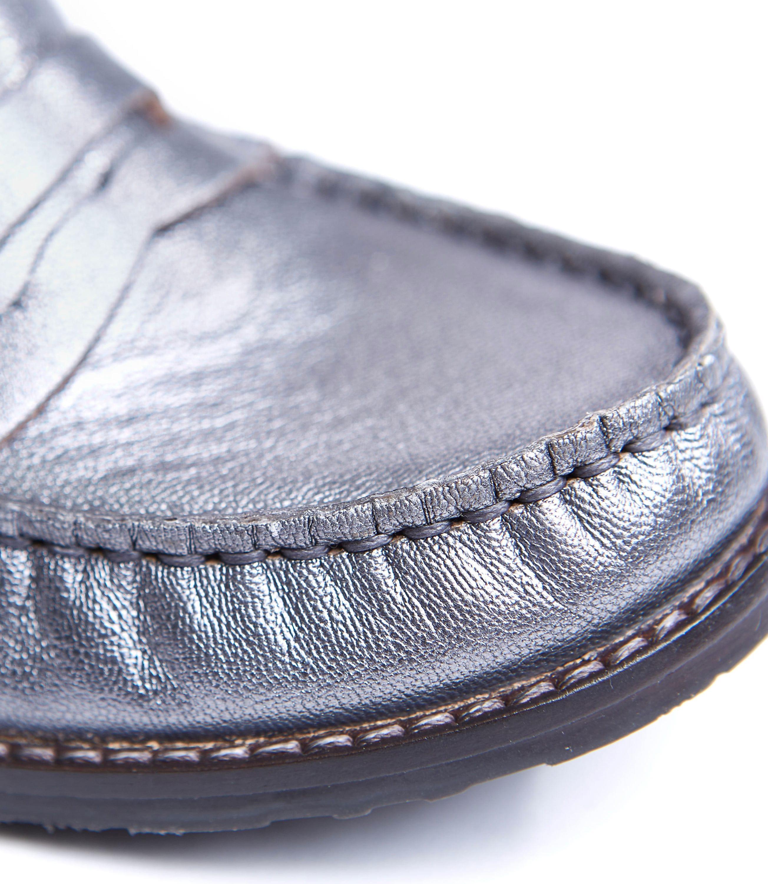 Petrel Leather