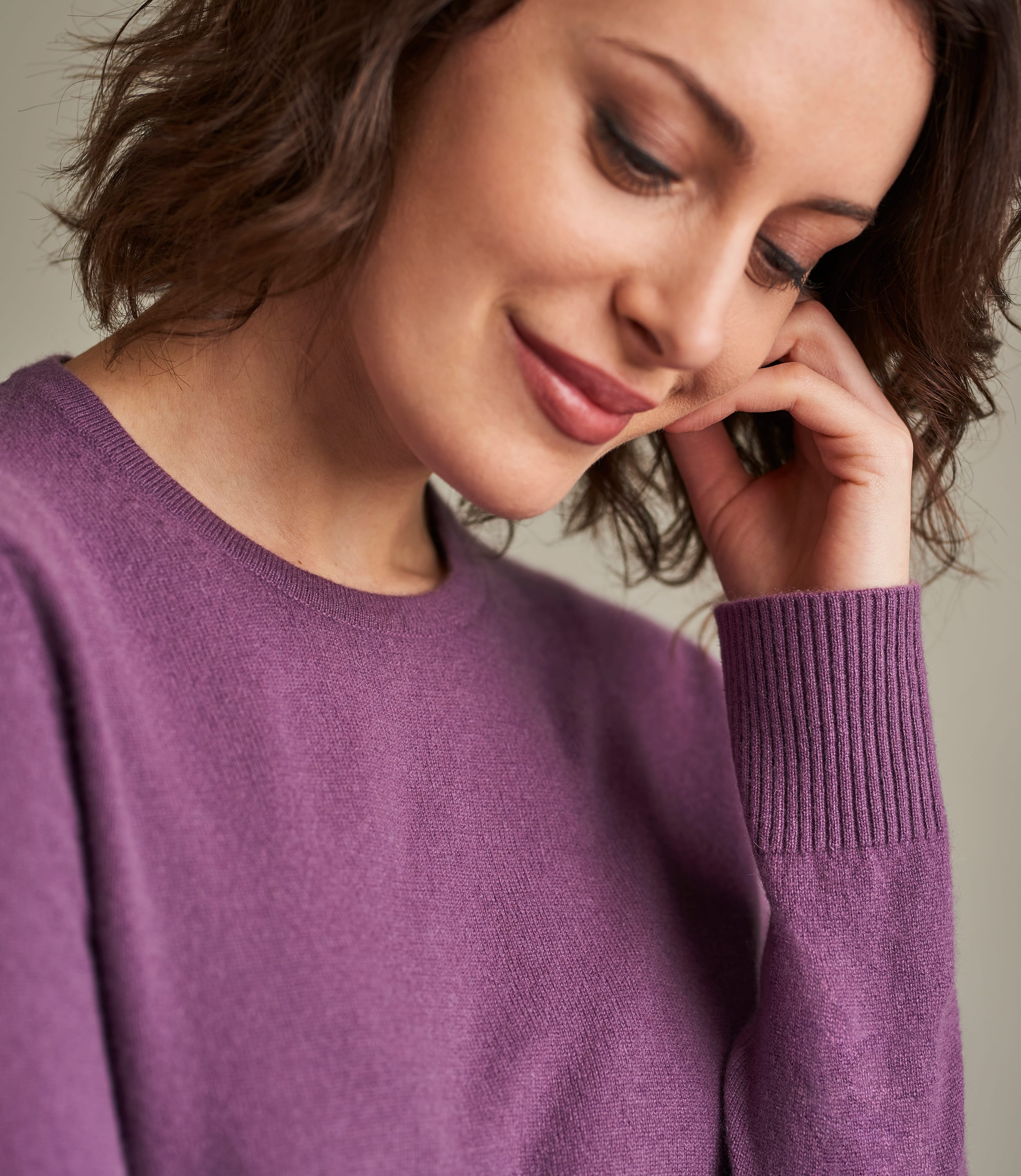 Luxurious Cashmere Crew Neck Sweater
