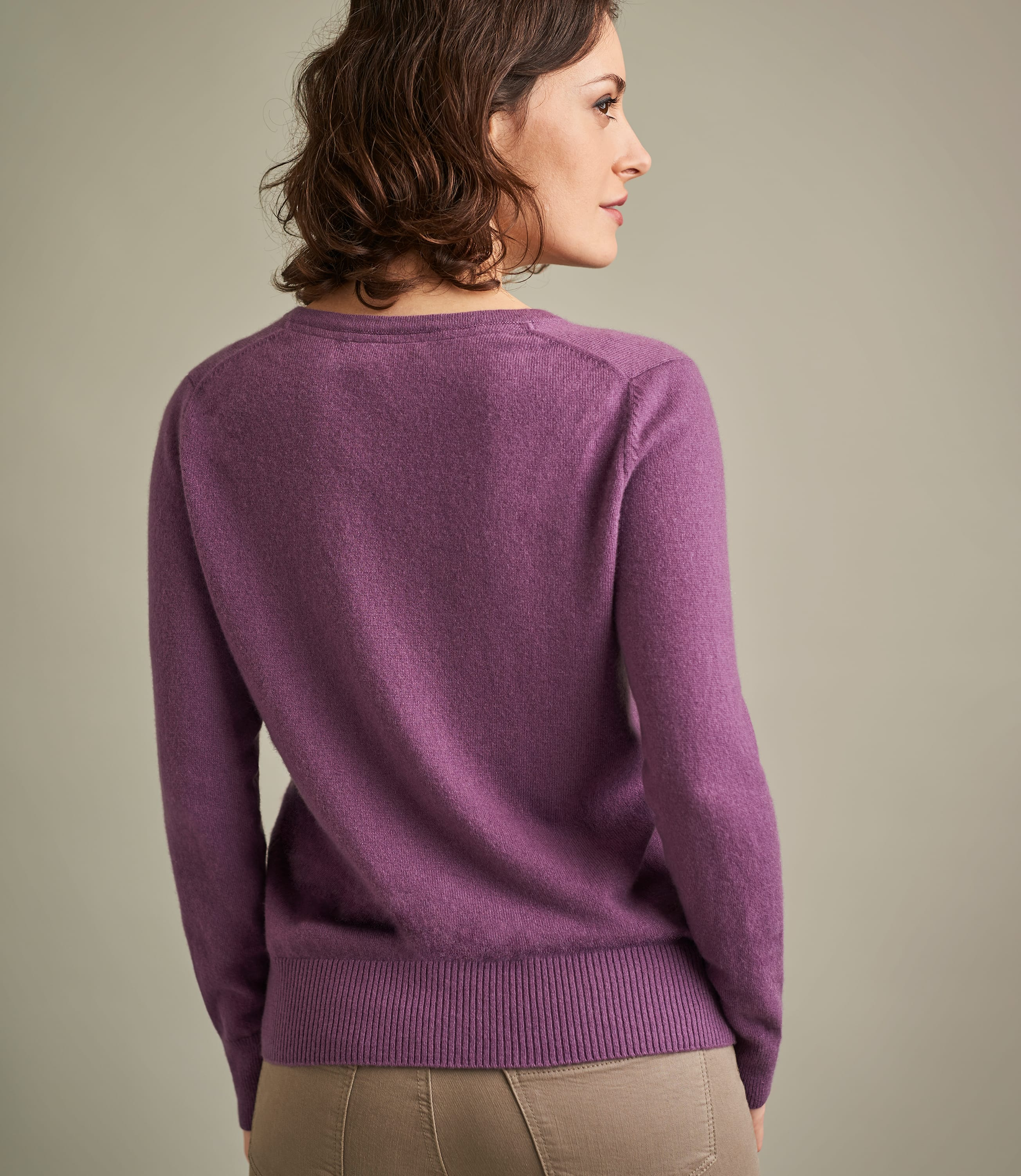 Womens Luxurious Pure Cashmere V Neck Sweater