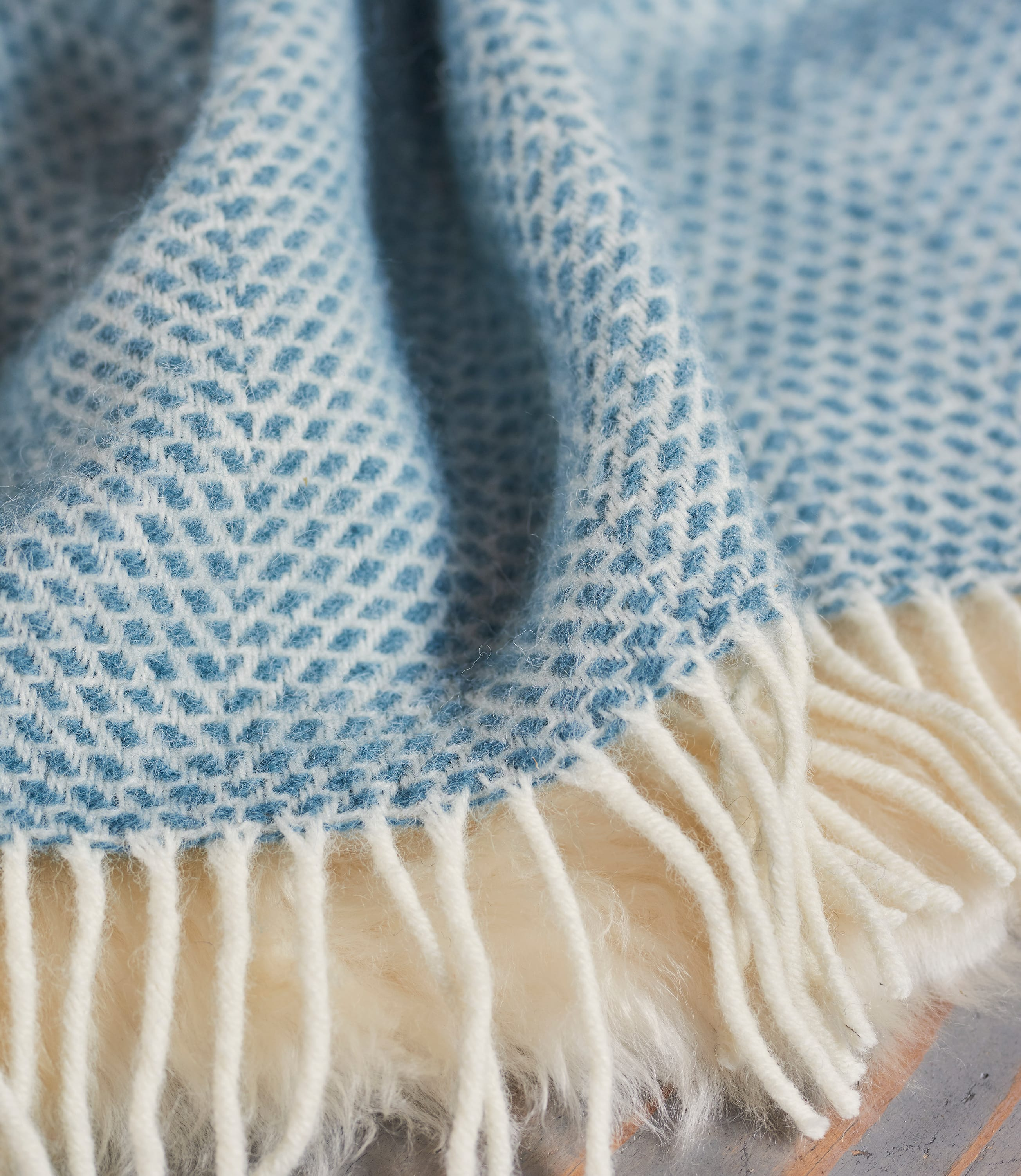 Pure Wool Beehive Throw