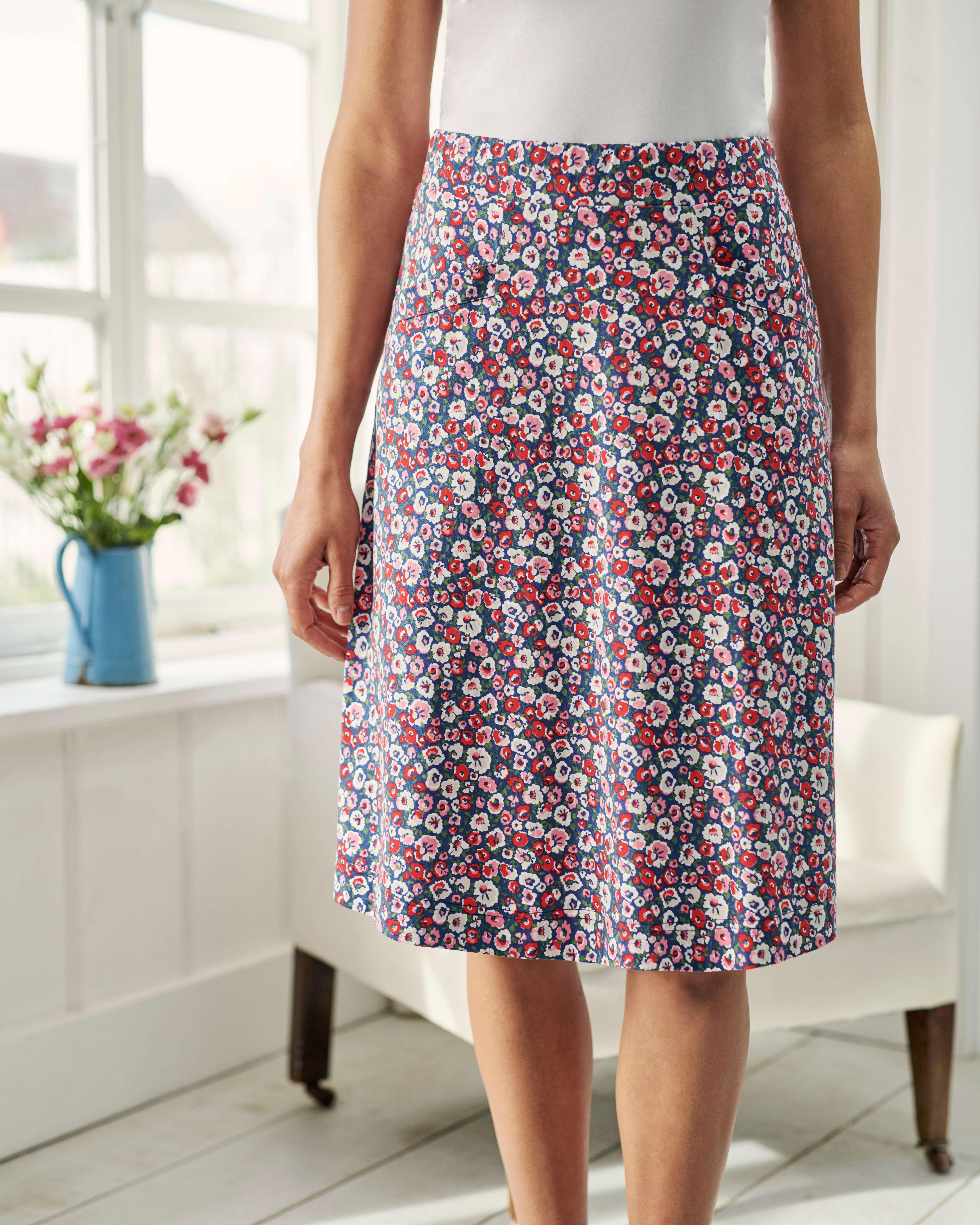 A Line Pocket Detail Skirt