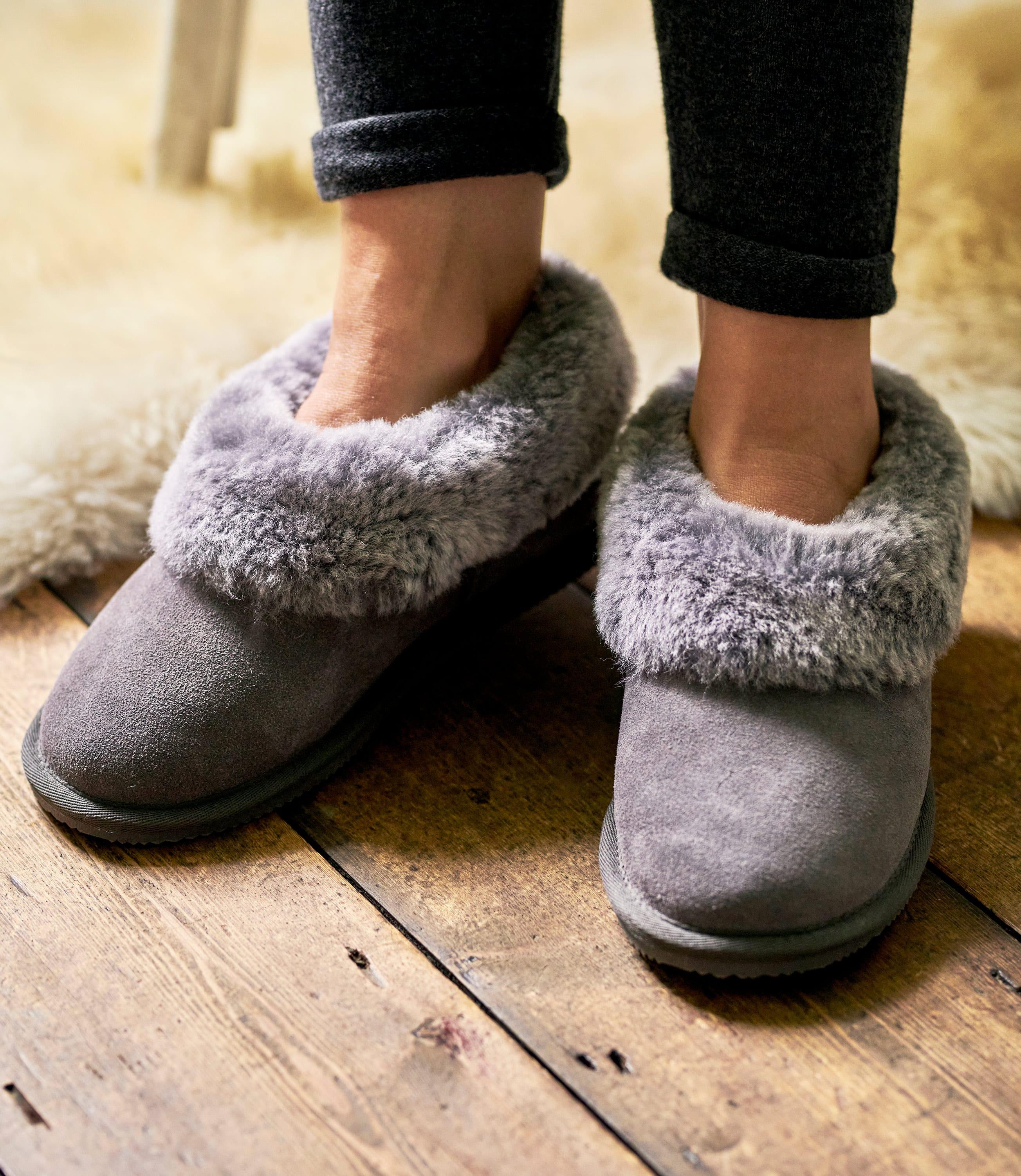 Womens Short Sheepskin Slipper Boot