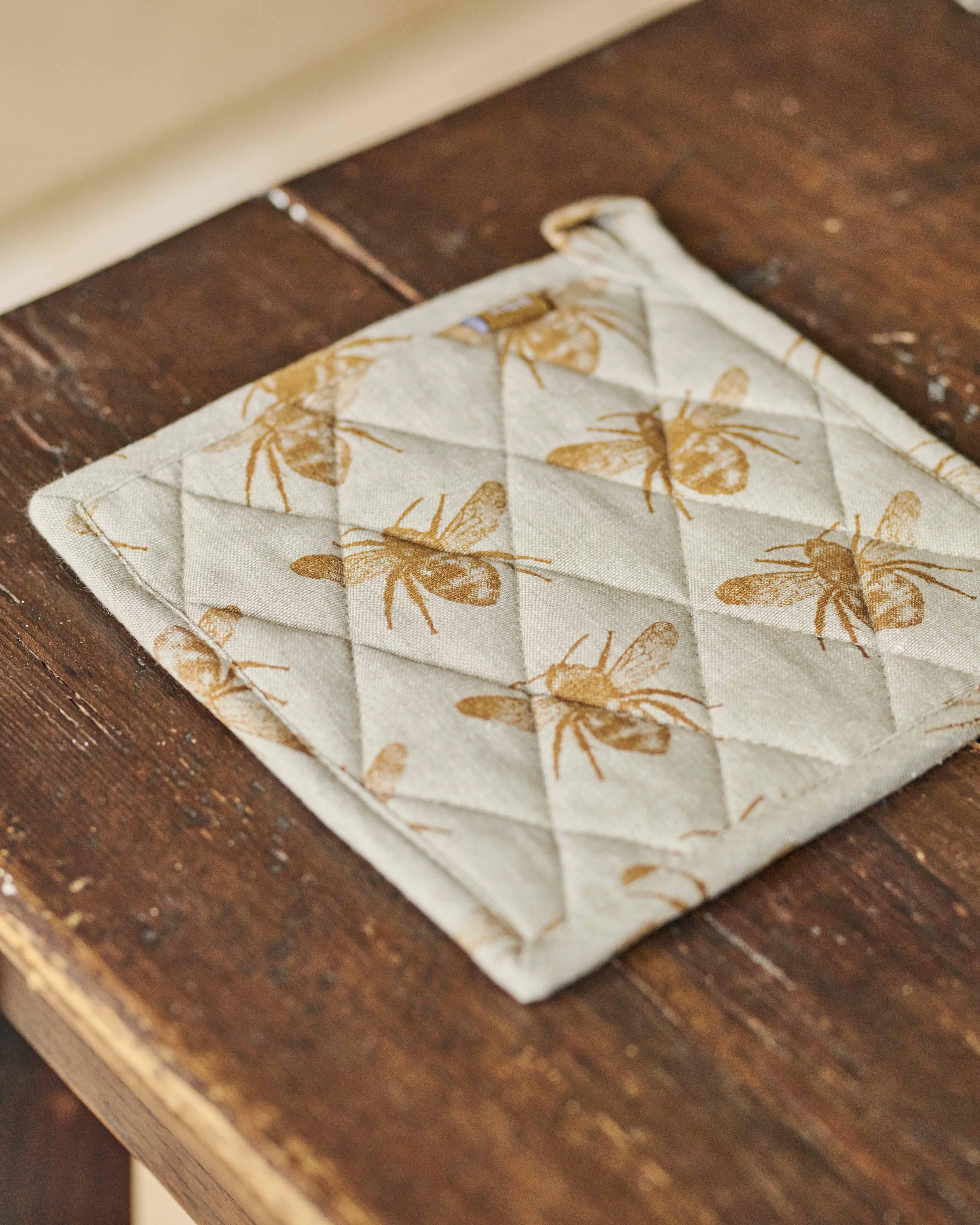 Recycled Cotton Honey Bee Trivet